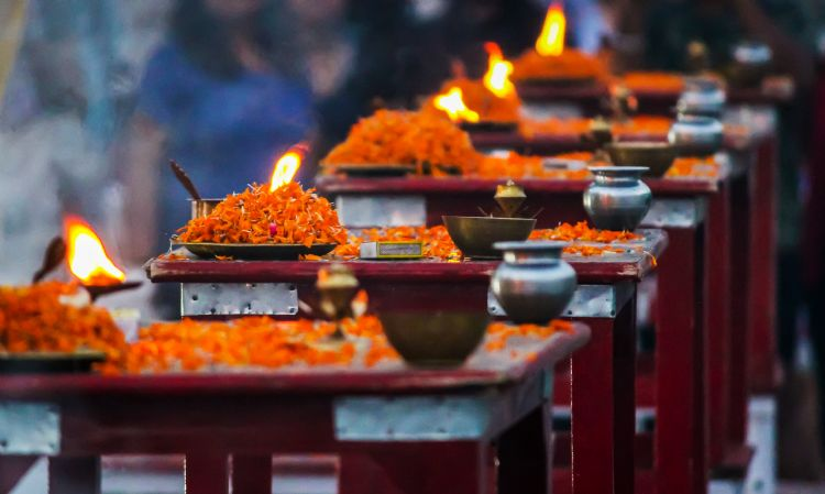 Chandelles pour la cérémonie de la puja