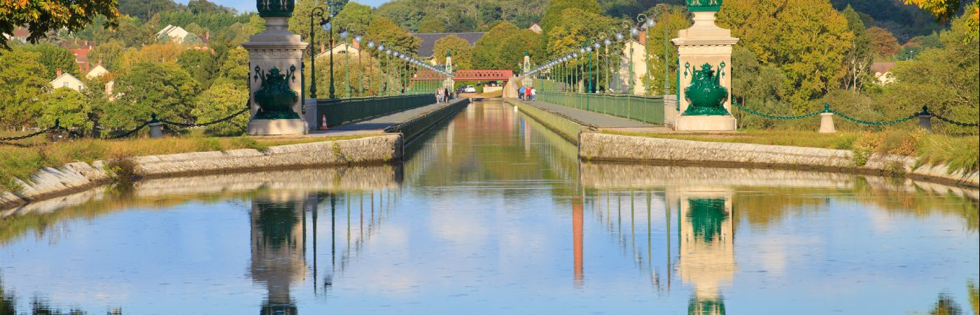 Pont-canal de Briare au-dessus de la Loire